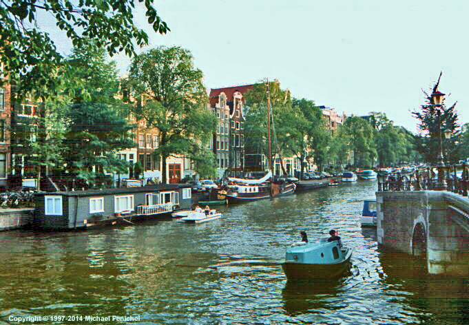 [Amsterdam Canal - Photo by Fenichel]