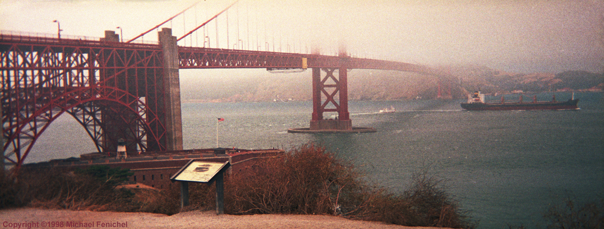 [Fog and the Golden Gate Bridge - Panorama]
