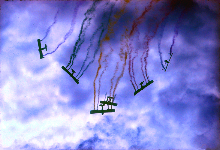 [Going Down - Epcot AirShow]