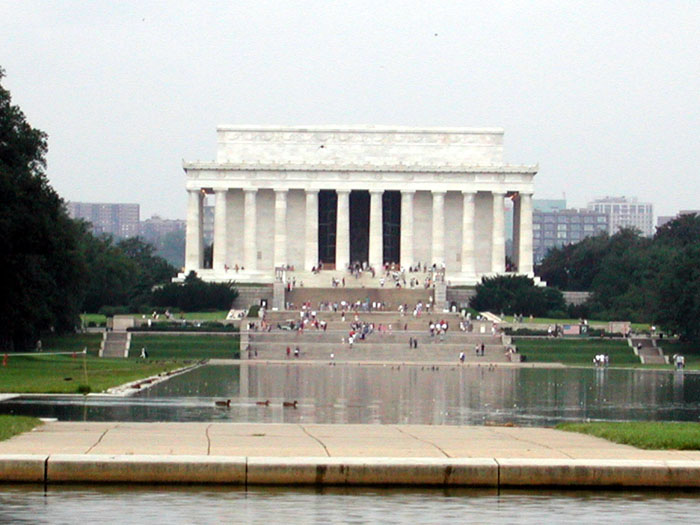 [Lincoln Memorial & Reflecting Pond]