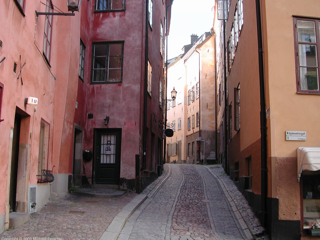 [Gamla Stan - Wide Alleyway]